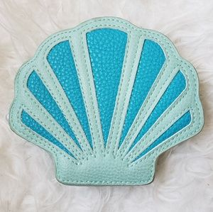 Clamshell Shaped Coin Purse